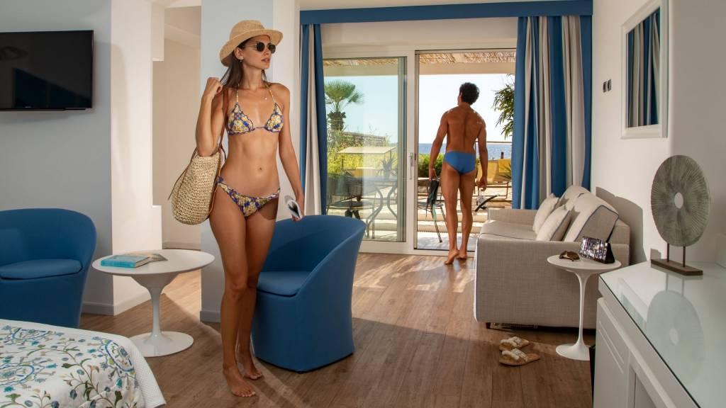 Hotel-El-Faro-Alghero-Sea-Garden-Deluxe-2021-camera-1