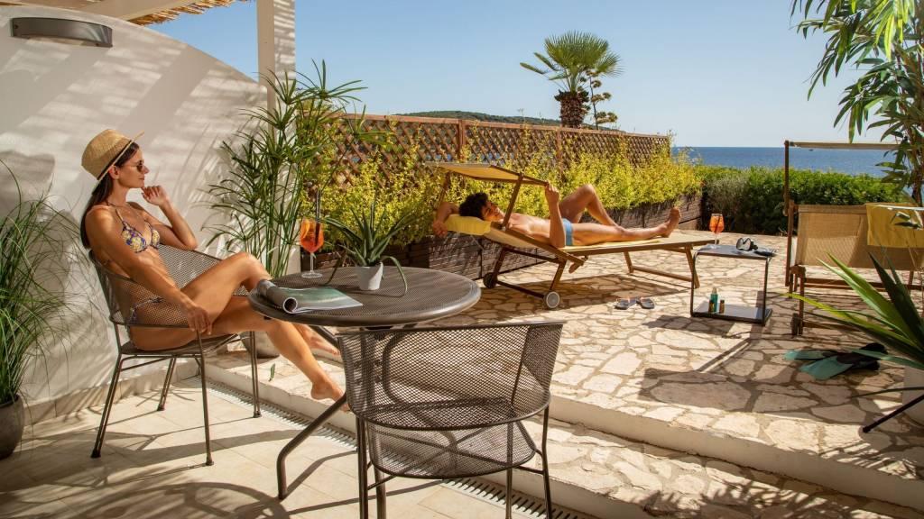 Hotel-El-Faro-Alghero-Sea-Garden-Deluxe-2021-camera-esterno-2