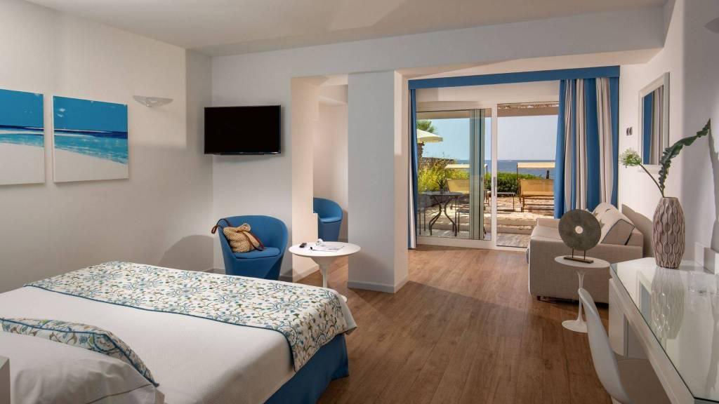 Hotel-El-Faro-Alghero-Sea-Garden-Deluxe-2021-camera-letto-2