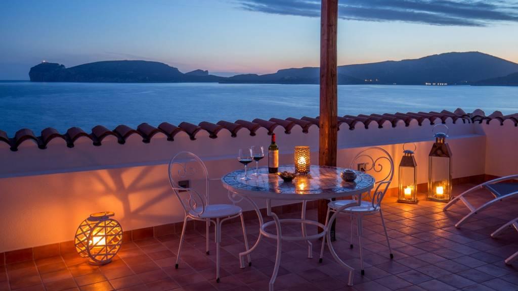 Hotel-El-Faro-Alghero-premier-deluxe-terrace-2021-balcone