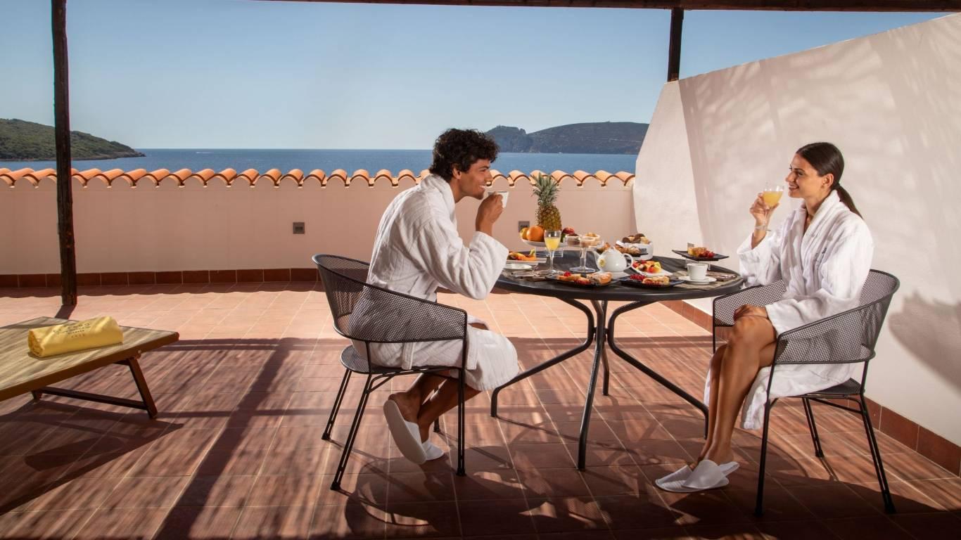 Hotel-El-Faro-Alghero-Suite-Executive-2021-balcone