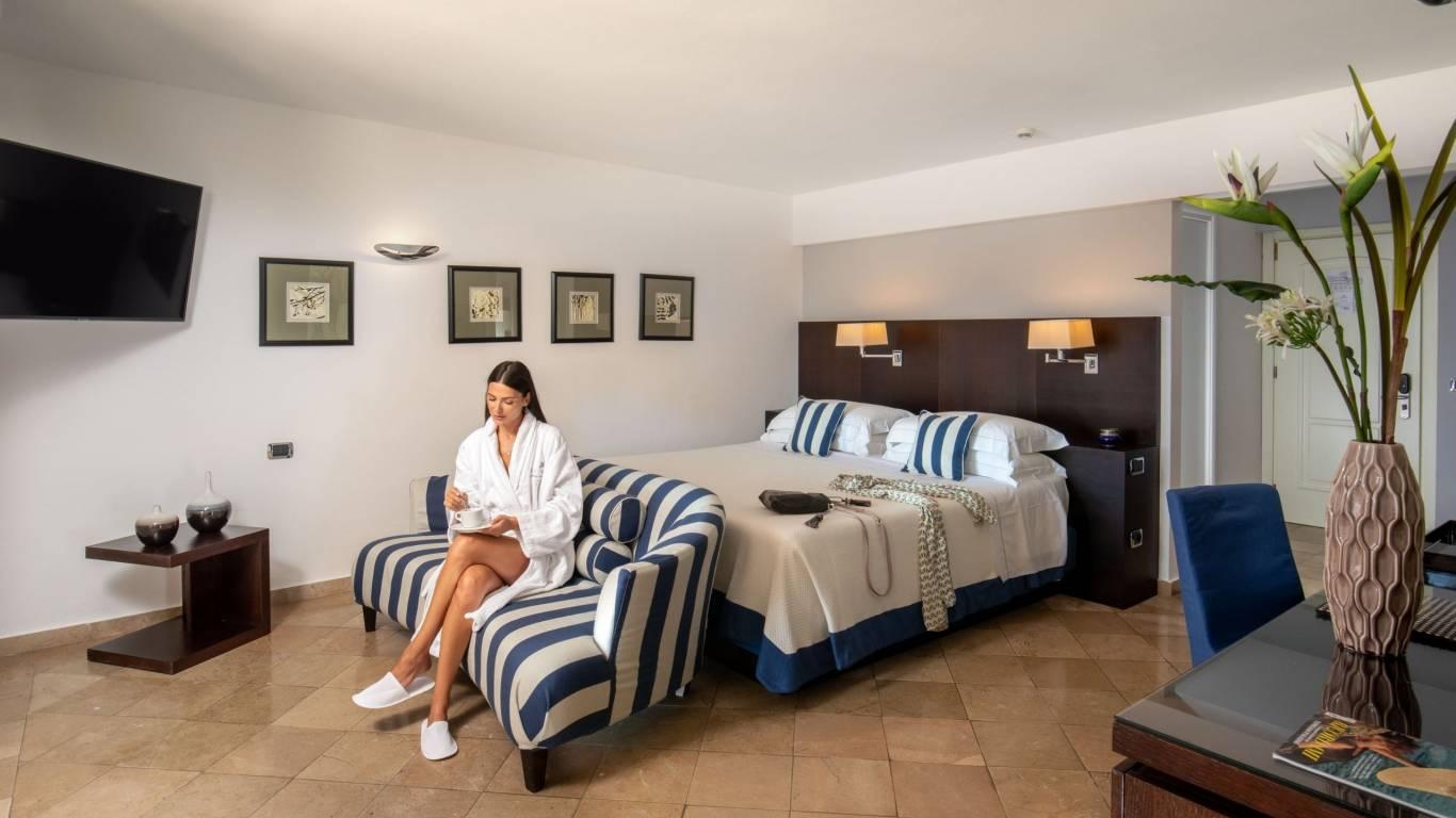 Hotel-El-Faro-Alghero-Suite-Executive-2021-camera-2