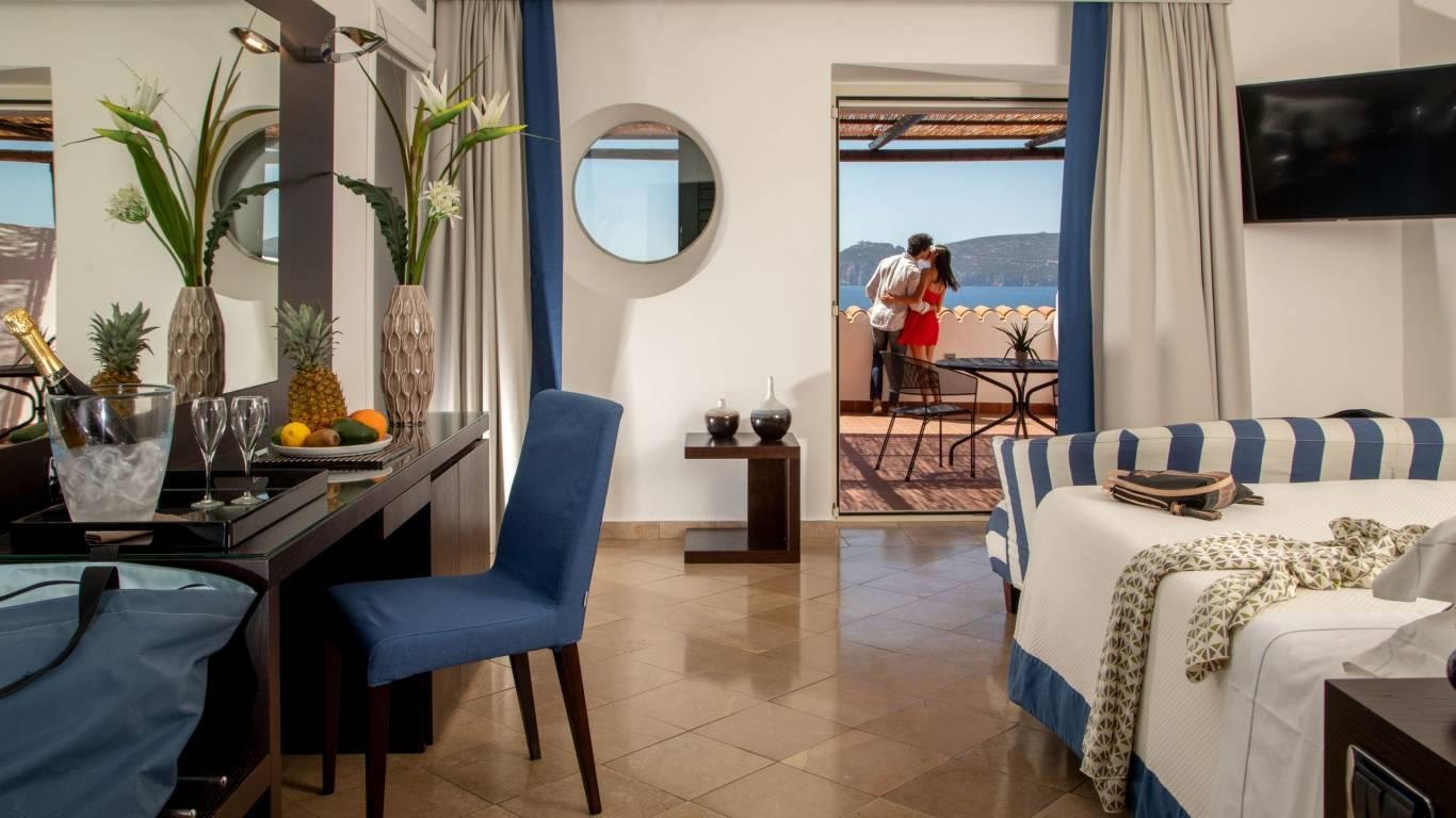 Hotel-El-Faro-Alghero-Suite-Executive-2021-camera