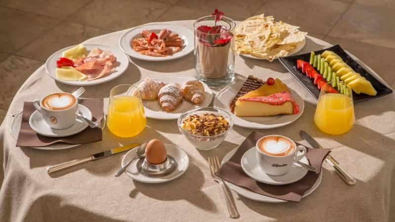 Hotel-El-Faro-Alghero-Servizi-2021-colazione